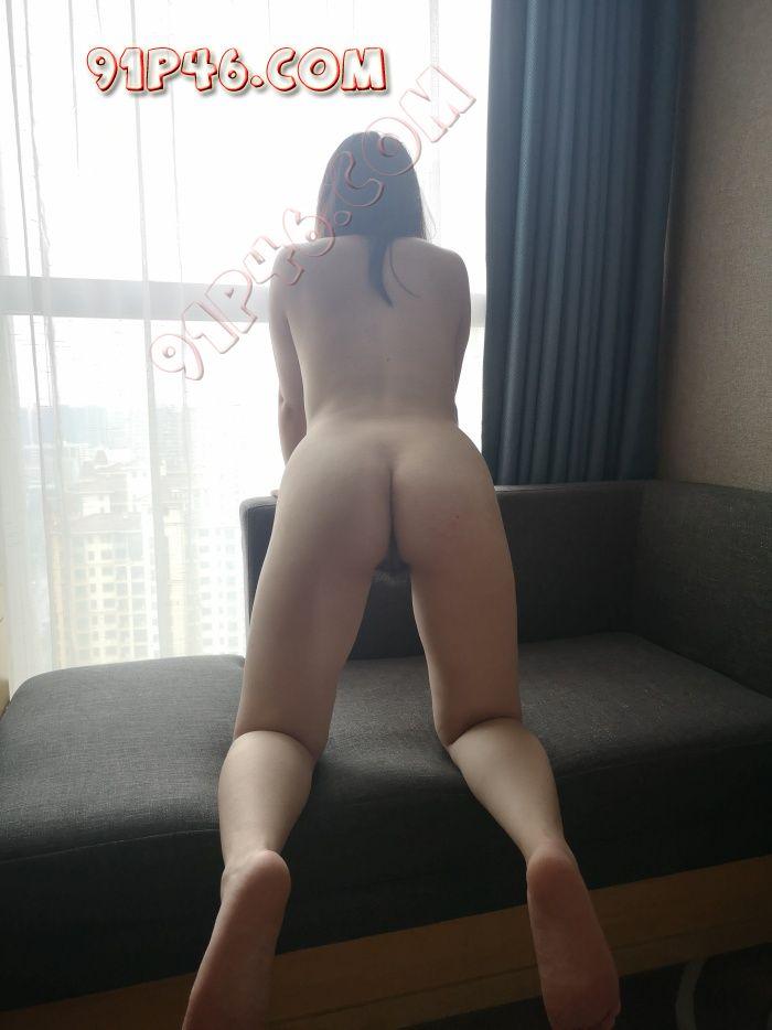 第一次酒店拉窗帘拍摄  娇妻拍着拍着就湿了